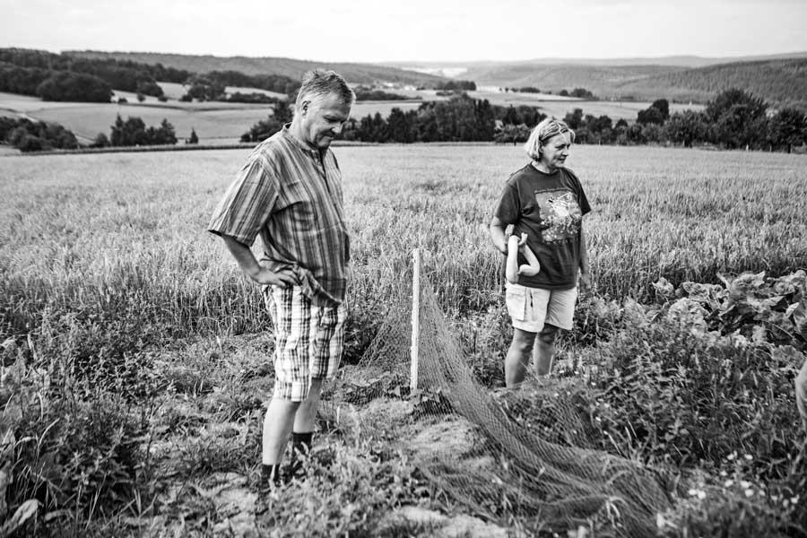Sigrid und Rainer Schäfer im Garten