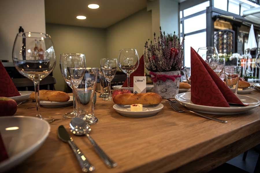 Der gedeckte Tisch im Labsal