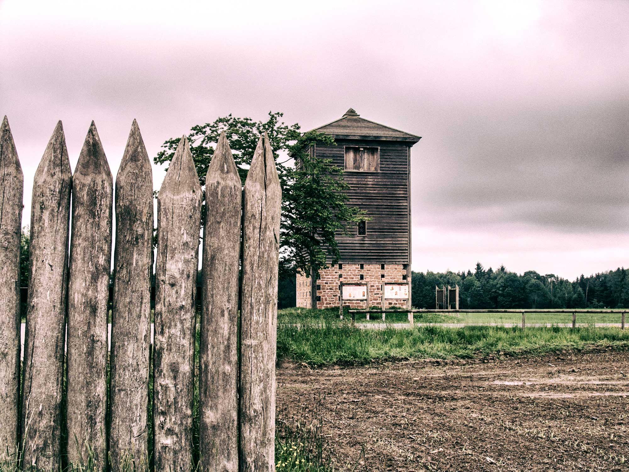 Rekonstruktion eines Limesturmes bei Vielbrunn im Odenwald