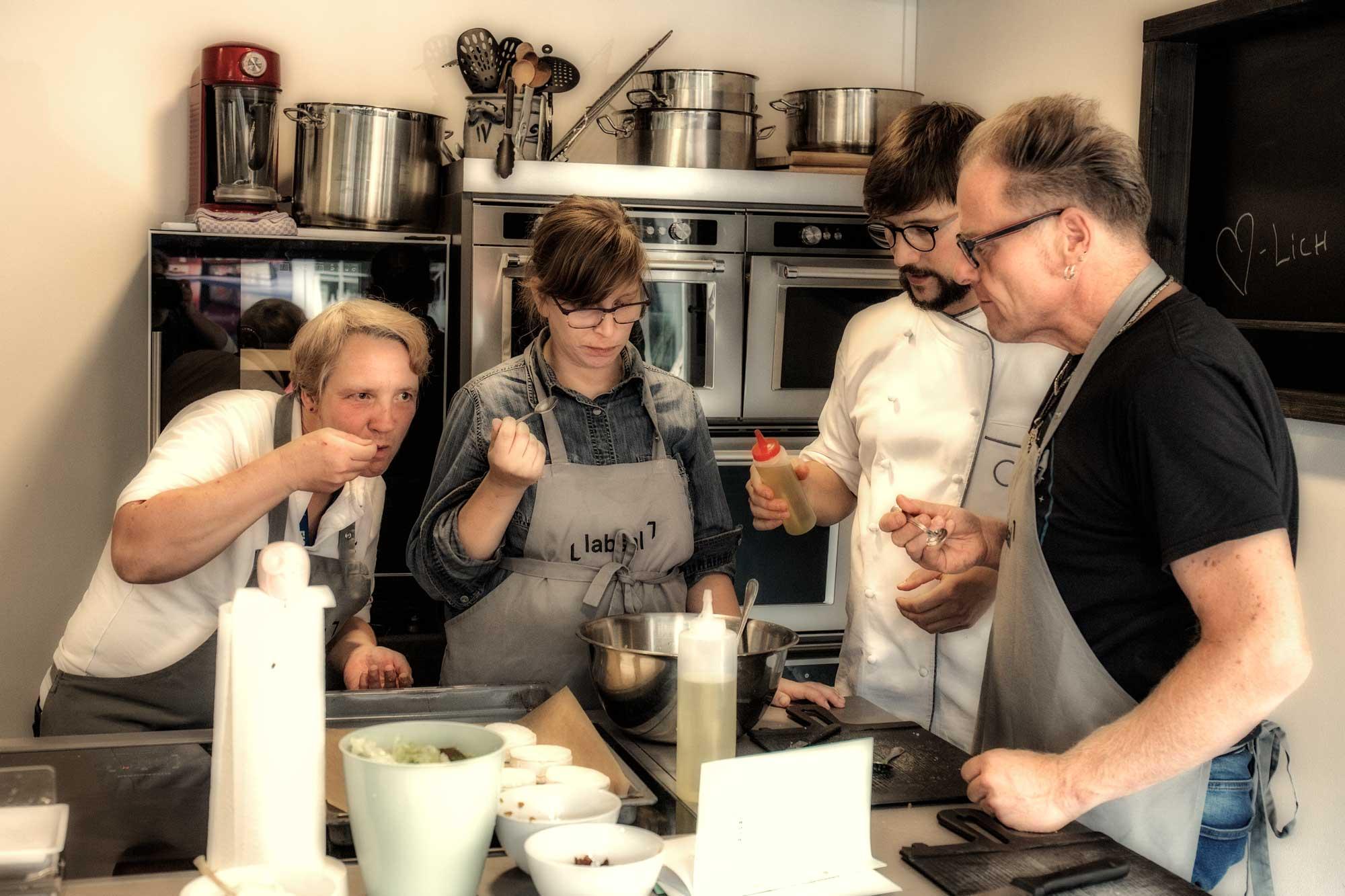 Das Team vom Bioziegenhof Weiße Hube im Labsal in Michelstadt_