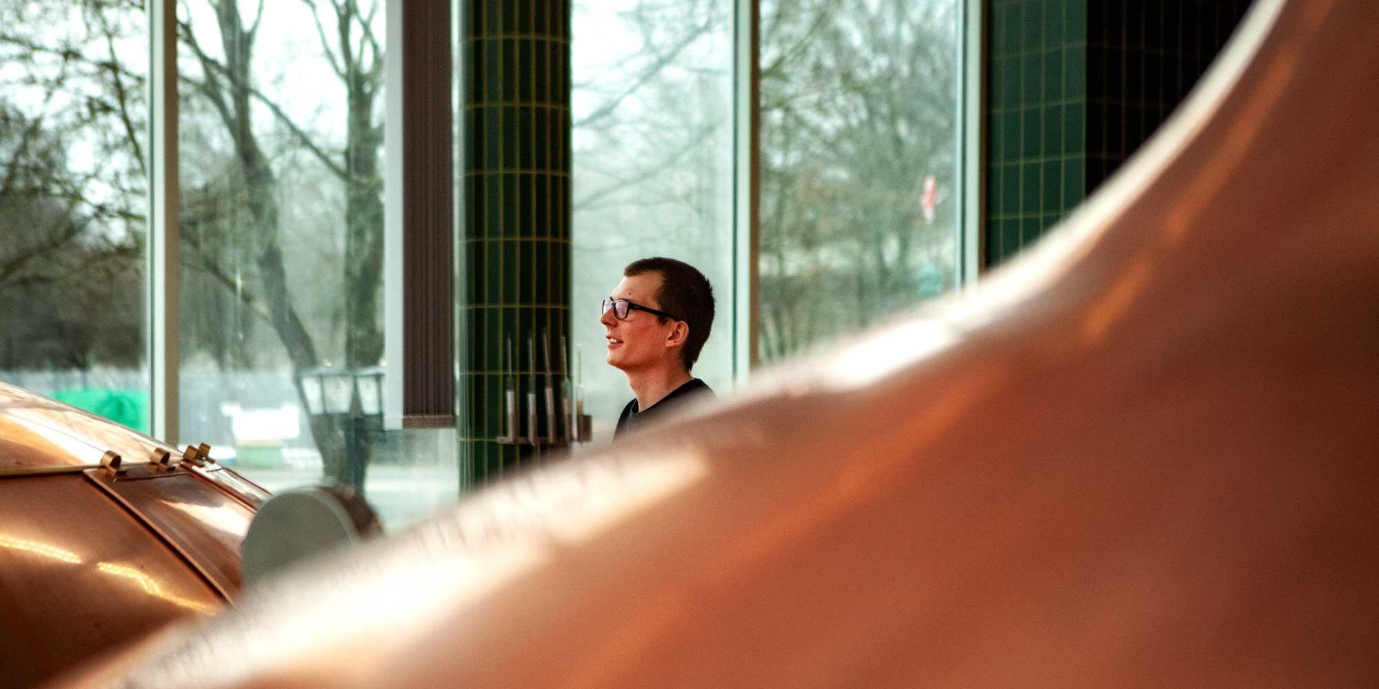 Nico Leffler, Brauer und Wälzer bei der Privat-Brauerei Schmucker in Mossautal im Odenwald