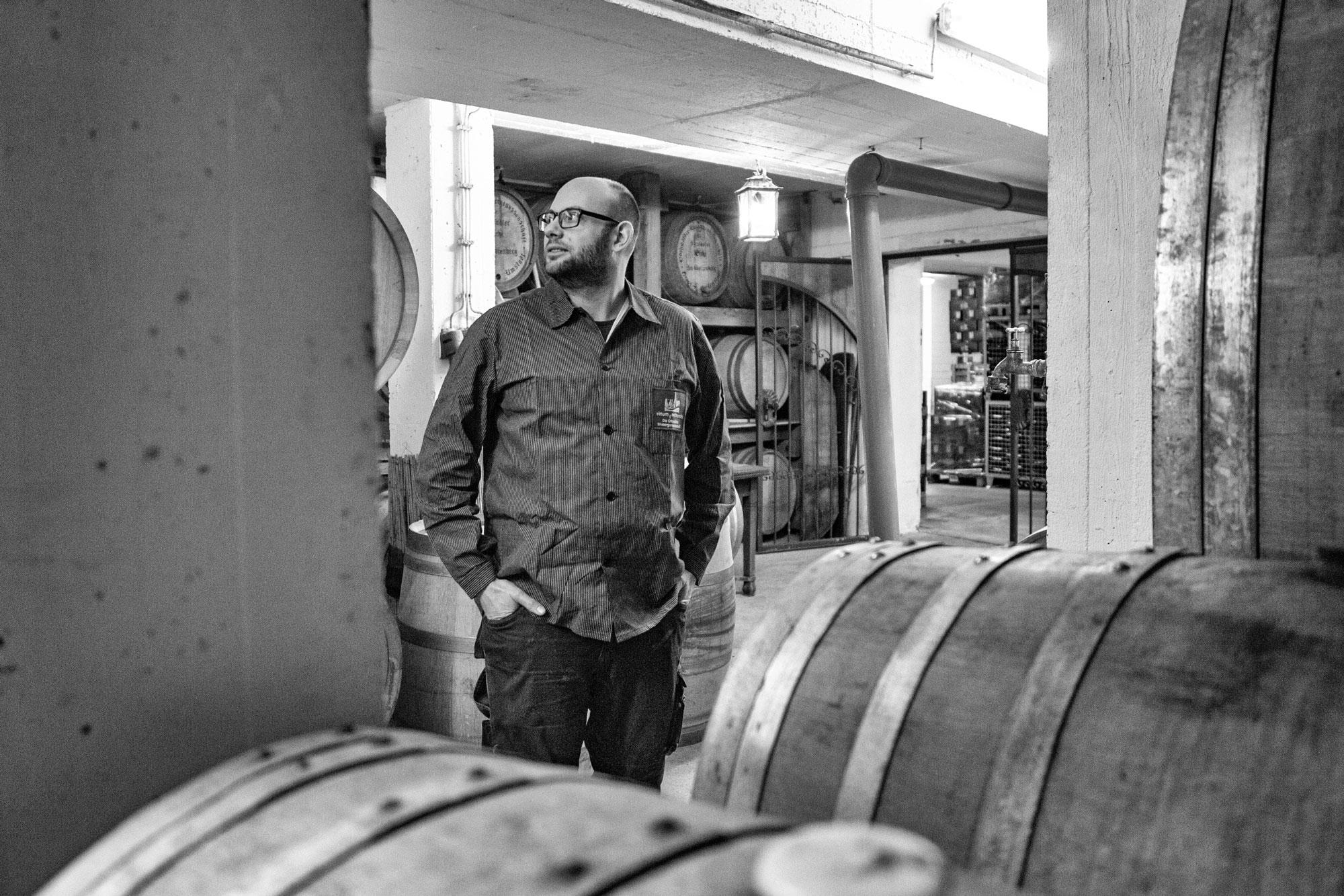 Christoph Oesswein im Keller der Odenwälder Winzergenossenschaft vinum autmundis
