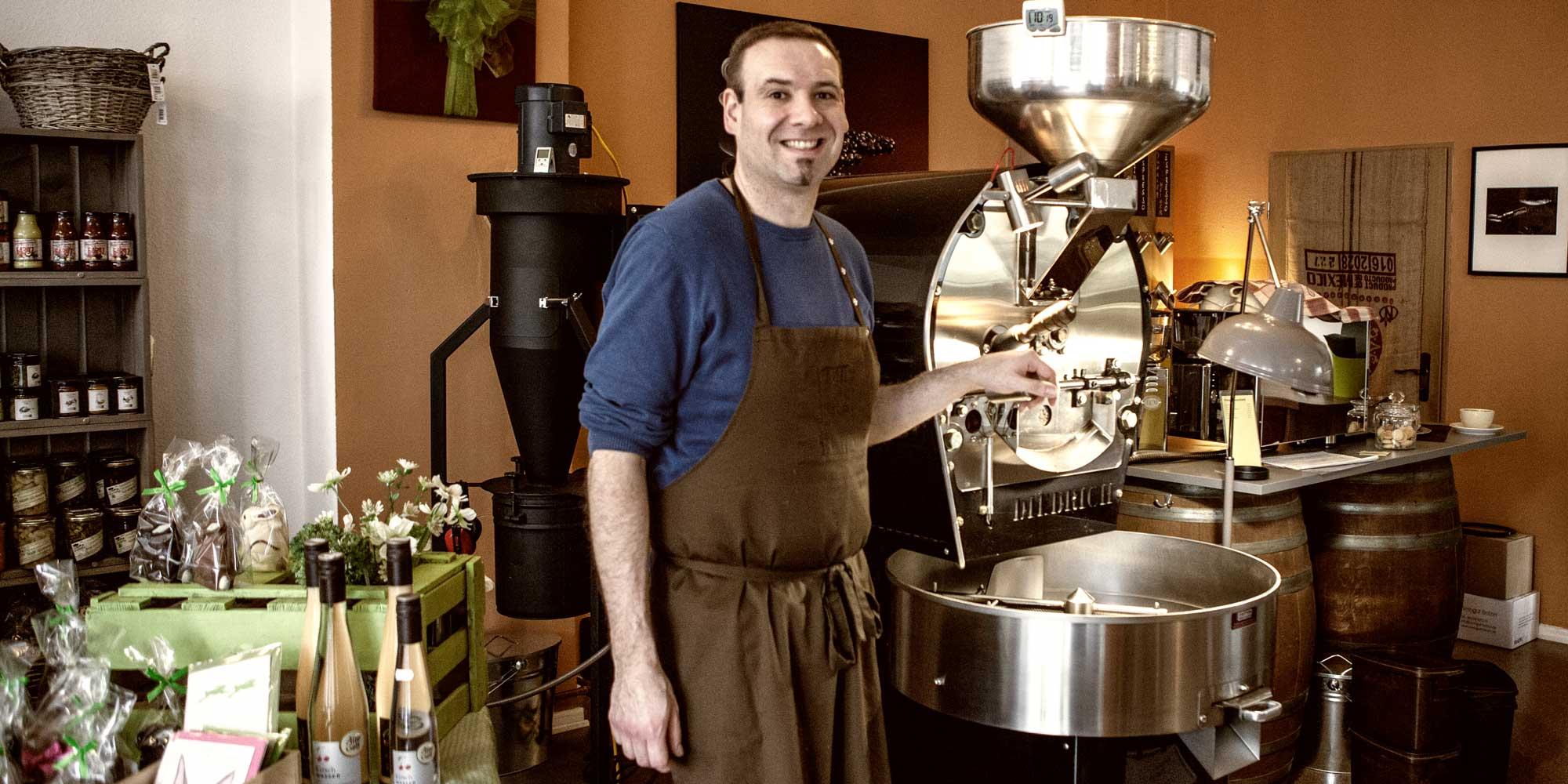 Heiping-Inhaber Andreas Schulte in der Darmstädter Kaffeerösterei