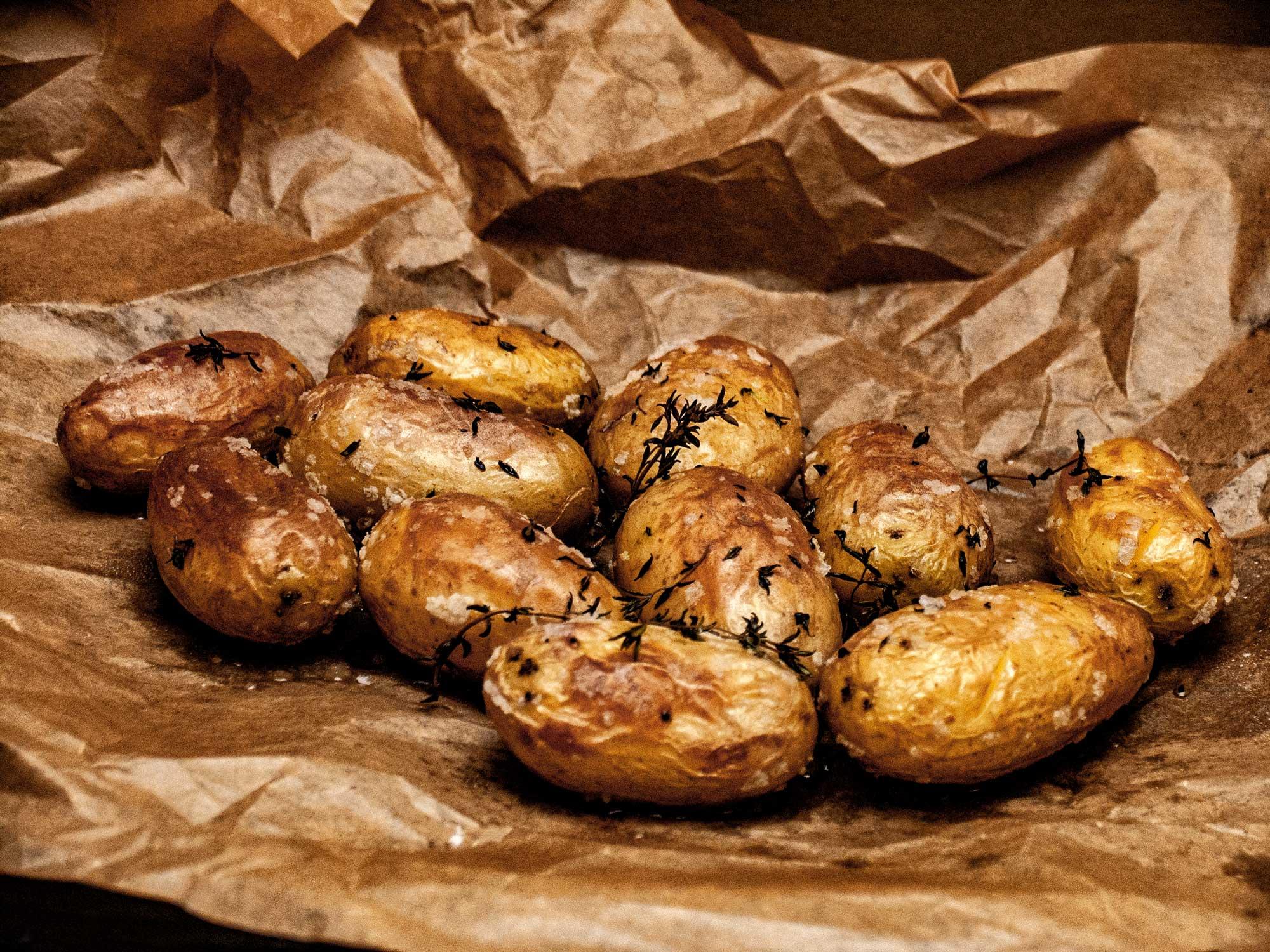 Kartoffelstampf aus Drillingen mit Zwiebeln und Olivenoel