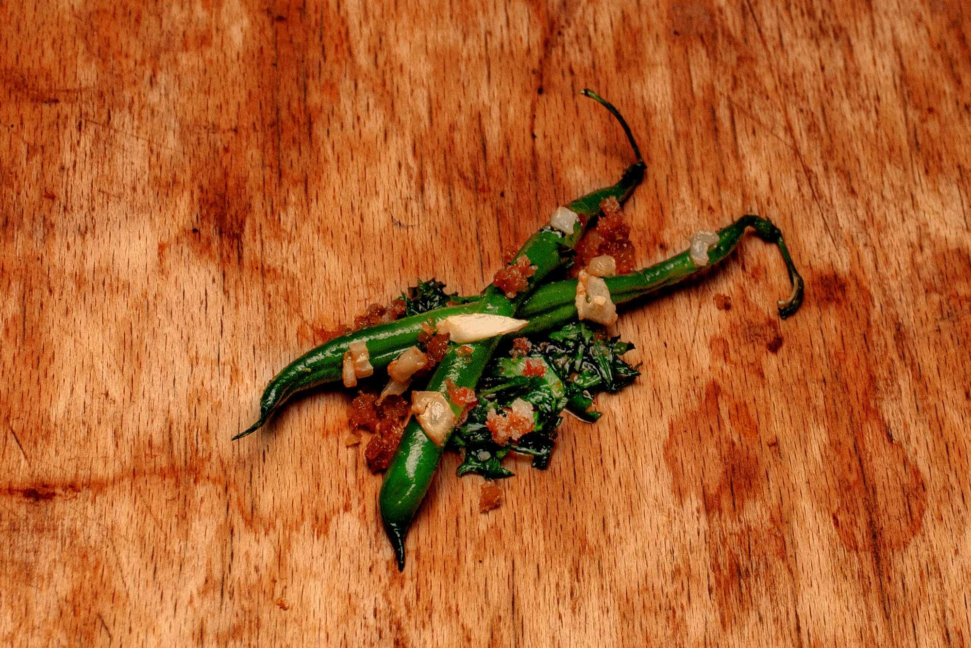 Grüne Bohnen mit Knoblauch und Semmelbröseln