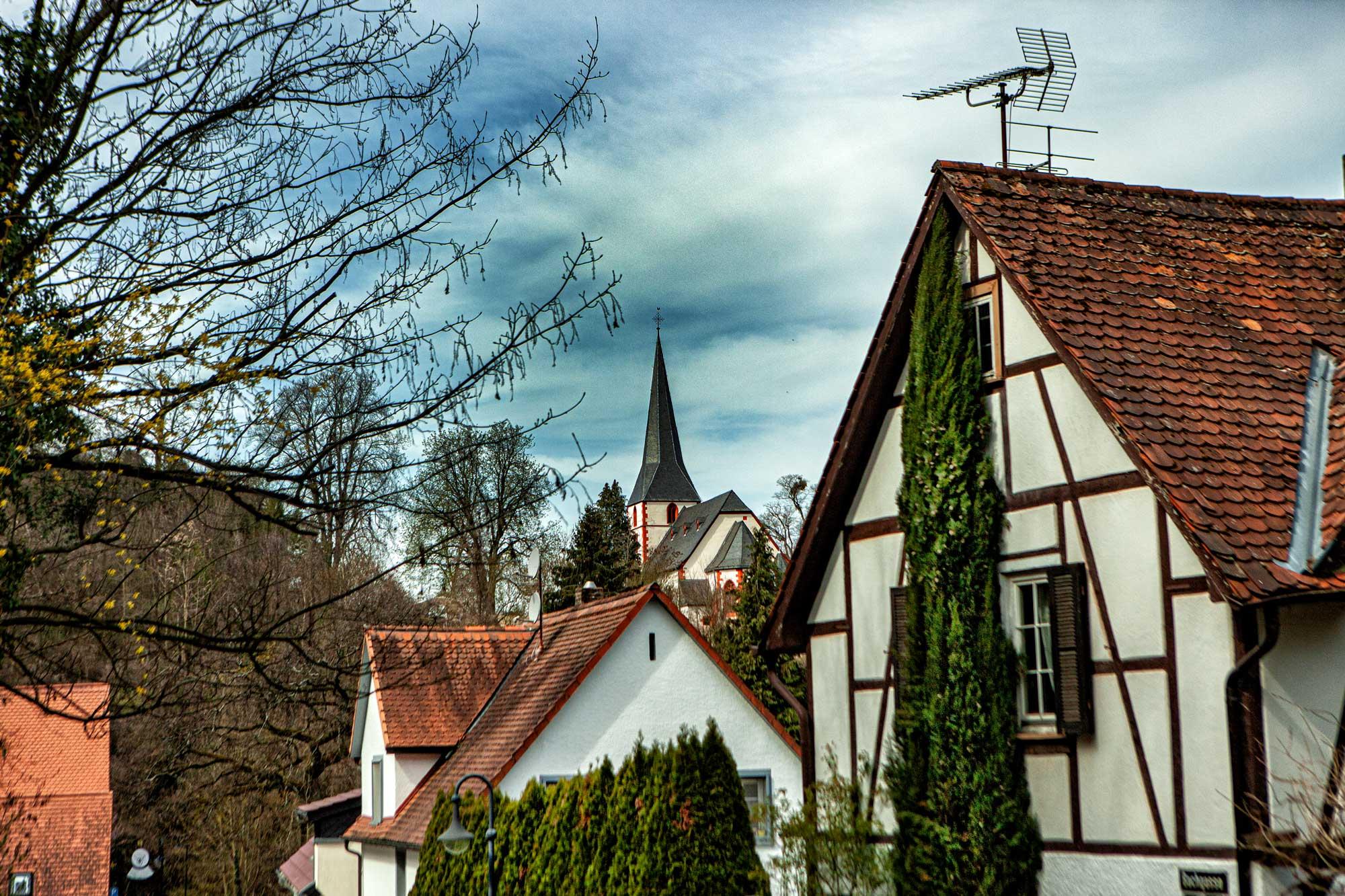 Bensheim-Auerbach im April