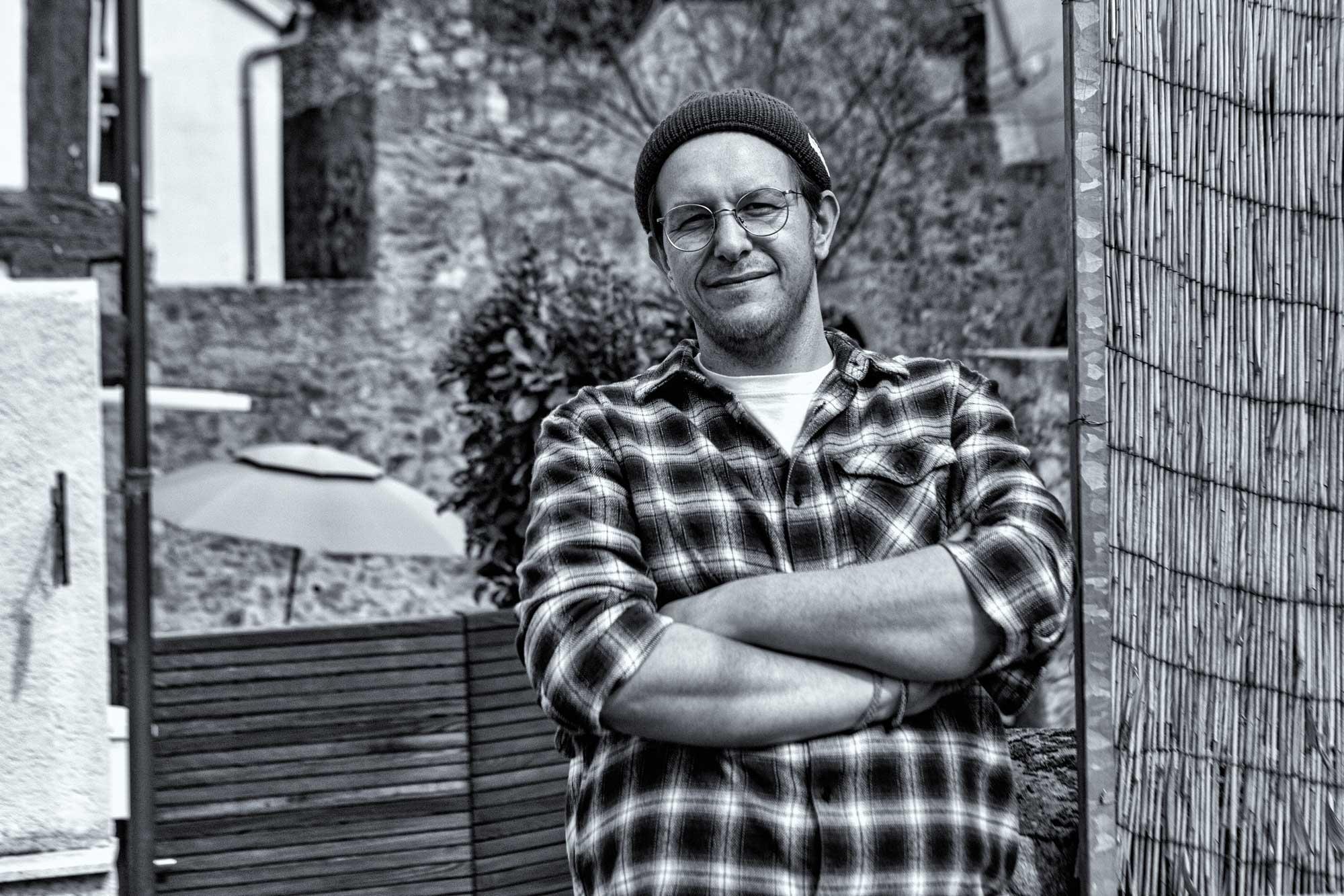 Marc-André Kaltwassers in Kaltwassers Wohnzimmer in Zwingenberg an der Bergstraße in Hessen